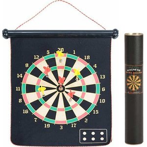 ●磁石式の矢のため、お部屋の中でも安全にゲームが楽しめます。 ●ボードは裏表で2通りあり、お好きな方...