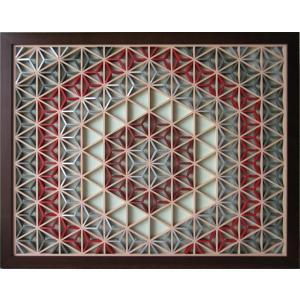 組子細工(組子)に色彩を求めた新発想の額装壁飾り(アートパネル)です。  ヒノキのフレームに色彩と表...