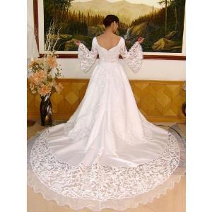 37a34bf2c87d2 wdk035 人気ランキングウエディングドレス激安で販売 ゲストを魅了する素敵なカットレーストレーンウエディングドレス