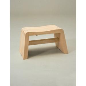 日本製 アール曲線の座りやすい風呂椅子 ニューふろいす     【木製 ひのき 檜 フロイス 風呂いす 国産】|kunikichisyouten