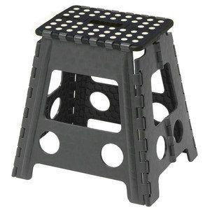 【折りたたみ簡単踏み台】 【椅子としても使えます】 【重さ1.7kgで超軽量】 【折りたたむと厚さ4...