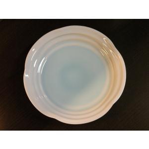 砥部焼【淡青白磁 皿】(大サイズ)  【陶彩窯】   なめらかで程よい厚みのある白磁が特徴的な、砥部...