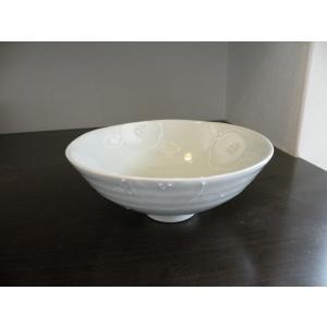 ◆砥部焼の窯元「陶彩窯」の【 イッチン椿 ボール(小サイズ)】です。  ■高さ: 約 7.2cm  ...
