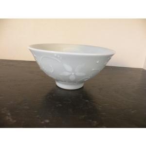 砥部焼の窯元『陶彩窯』のイッチン花柄茶碗(大)です。 プレゼントにもぴったり♪  茶碗(大) ■幅:...