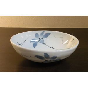 【てっせん 楕円鉢(大)】  なめらかで程よい厚みのある白磁が特徴的な、砥部焼の楕円鉢です。 幅広い...