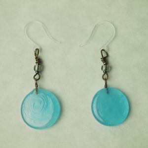 記念品 日本製 お祝い プレゼント アクセサリー ピアス 『nostalgic glass((3)青空)』|kurokabe