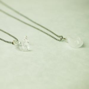 記念品 日本製 お祝い プレゼント アクセサリー ネックレス 『月の涙 ネックレス(氷)』|kurokabe