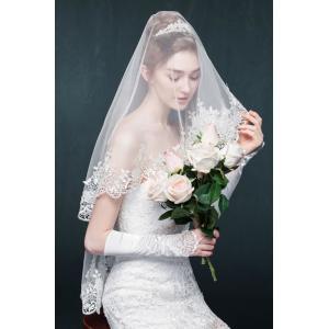 キラキラ輝く花嫁さんにぴったりのウェディングマリアベールです。 マリアベールはその名の通り聖母マリア...