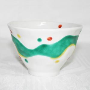 手描き九谷焼 和洋食器 手起し水玉よろけ文様お茶碗(小)|kutani-bitouen