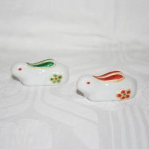 手描き 九谷焼 和食器 兎形箸置き|kutani-bitouen