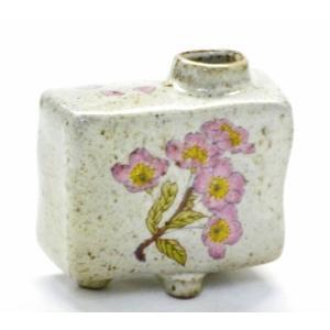 九谷焼 一輪挿し 花瓶 フラワーベース 手のひらサイズ インテリア 和風  シール焼 桜 ピンク ソメイヨシノ(Kutani vase)百華園 kutanihyakkaen