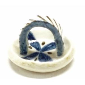 ギフト 九谷焼 箸置き 箸休め おしゃれ 卓上小物 日本製 和食器 ギフト 手作り 手描き 染付け小花|kutanihyakkaen