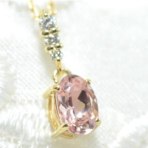 ◆主石名:インペリアルトパーズ ◆脇石名:ダイヤモンド(3石約0.04cts) ◆主石重量:約0.5...
