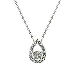 高品質のダイヤモンドを使用したしずく型のペンダントです。 Eカラーの無色透明な輝きをお楽しみ頂けるダ...