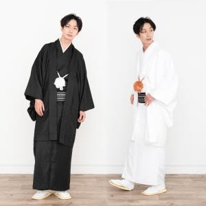 地紋付き生地の羽織と着物のアンサンブルセットです。 別売の袴と合わせて紋付袴姿に、そのまま着てお稽古...