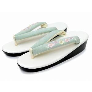 Sサイズ レディース 草履 (適応 21cm-22.5cm位) 日本製 刺繍鼻緒のウレタンソール「水色系 桜」TZS155|kyoto-muromachi-st