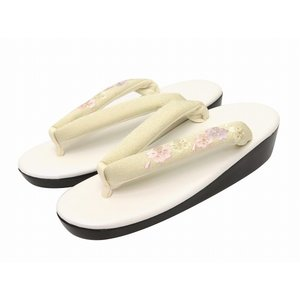 Sサイズ レディース 草履 (適応 21cm-22.5cm位) 日本製 刺繍鼻緒のウレタンソール「クリーム系 桜」TZS156|kyoto-muromachi-st