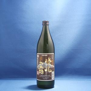 甕仕込み 紫尾の露(軸屋酒造)  北薩摩の名峰といわれる紫尾山の山懐にある軸屋酒造が、2004年6月...