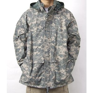 アメリカ軍実用デッドストック  着ていても蒸れない しかし暖かさはちゃんと保温する  最新のACU....