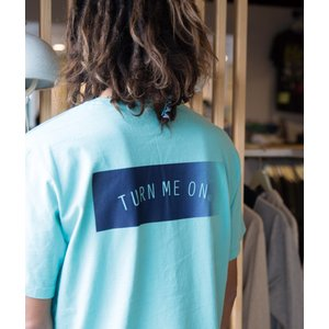 TURN ME ON /定番BOX LOGO半袖Tシャツ(BLUE) seagreen Mサイズ|la-grande-roue
