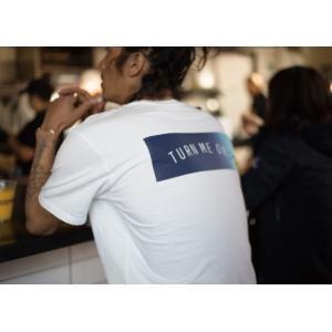 TURN ME ON /定番BOX LOGO半袖Tシャツ(WHITE) Mサイズ|la-grande-roue