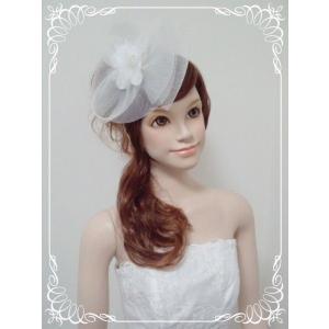セレブ風ウェディングハット型ヘッドドレス(白・黒・赤)/ウェディング/ブライダル/ヘアアクセサリー/結婚式/花嫁|labolero