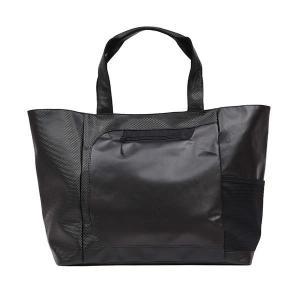 高級感のあるラグジュアリーな素材を使い、大学生や社会人に提案するスポーティなトートバッグ。  ○カテ...
