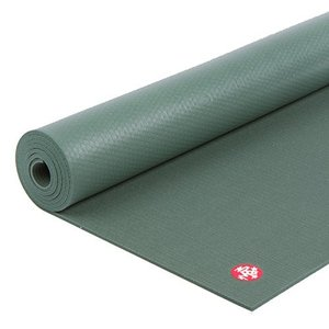 "Manduka PRO Yoga and Pilates Mat, Black Sage,71""【並行輸入品】|lakibox28"