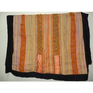 モン族 マルチカバー オレンジ系 209×171 ベッドカバー 壁掛け ソファーカバー 大判布 荒隠し布 刺繍布 lakshmi2011