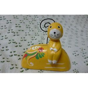 カードスタンド イヌ 黄色 木彫り犬 木製 カードクリップ カードたて メッセージスタンド エスニックスタンド レターパック|lakshmi2011