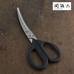 まな板を使わず包丁がわりになる調理鋏。 カーブしているので食材が切り易い形状のキッチン鋏包丁では 切...