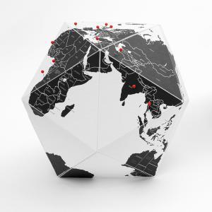 イタリア製 HERE グローブ M インテリア地球儀 パーソナル地球儀 ピン lapin-happy-jewelry