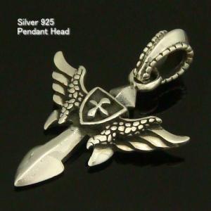 シルバー925 鷲の勇者が剣を手にした インディアン silver925 シルバーアクセサリー ペンダントヘッド ペンダントトップ メンズ|laplateriashu
