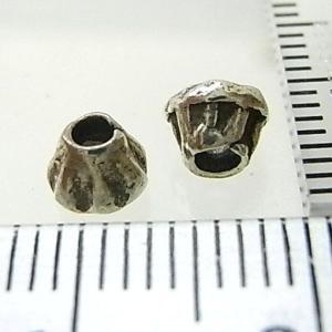 シルバーバーツ 2-013 5個で1セット 直径5.1mmタイプで富士山のような模様になっている山型のビーズ|laplateriashu