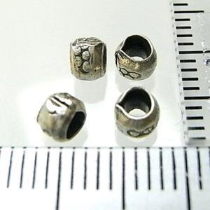 シルバーバーツ 2-016 5個で1セット 直径4.0mmタイプで横に丸い模様がたくさん描かれた丸型のビーズ|laplateriashu