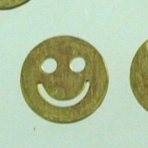 アクセサリー ハンドメイド 真鍮 スマイル 笑顔 イラスト可愛い パーツ ハンドメイドアクセサリに使えるパーツ|laplateriashu
