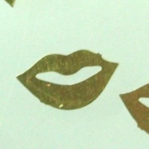 アクセサリー ハンドメイド 真鍮 唇 リップ イラスト可愛い パーツ ハンドメイドアクセサリに使えるパーツ|laplateriashu