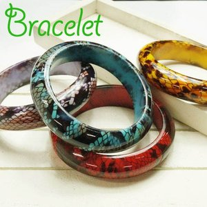 【全4色】蛇柄 パイソン柄 スネーク柄 太くて存在感のあるブレスレット|laplateriashu