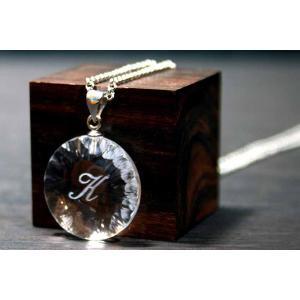 お手持ちの写真からオリジナル記念品を作成 Laser Crystal Art ネックレスタイプ サークルダイヤ|laughs