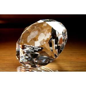 お手持ちの写真からオリジナル記念品を作成 Laser Crystal Art オブジェタイプ ダイヤモンド型(クリア) 光学ガラス製|laughs