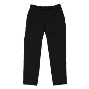 ●スマートには着こなせる、オフィスカジュアルにも使える細身のシルエットの九分丈パンツ。動きやすいスト...