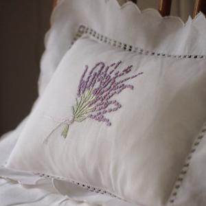 クッション ピロー 小さい枕 ラベンダー刺繍 ル ジュディ オリジナル|le-jeudi