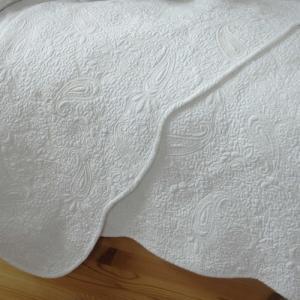 マルチカバー ペイズリー 120x120 ベッドカバー/ソファカバー ホワイト|le-jeudi
