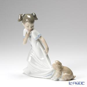 やんちゃな仔犬が、女の子に遊んでほしくて一生懸命な仕草が微笑みを誘う作品 ナオ NAO スペイン フ...