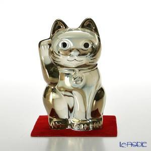 右手を挙げ、首にはバカラのロゴ「B」マークの入った鈴をさげた、キュートな招き猫♪ バカラ Bacca...