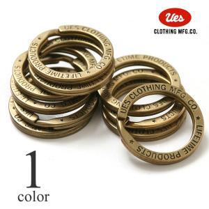 UESオリジナルの真鍮製キーリング。 両面に英字の刻印が入っており、高級感のあるデザイン。 カラビナ...