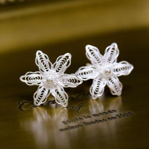 フィリグリー フラワー ピアス 美しい手仕事の繊細な銀線細工 ジョグジャカルタ