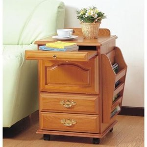 収納に徹底してこだわったサイドテーブル。 お部屋の雑誌や小物類が一挙に片付きます。   ベッドサイド...