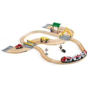 列車と車遊びが一体になったセットです。バスや列車を乗り継ぎ、旅行をする楽しみや交通手段を使って移動す...