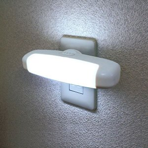 エルパ LEDナイトライト 明暗センサー ホワイト PM-L75(W)
